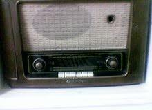 راديو قديم جدا غير شغال يعتبر انتيكة من الخمسينيات  Radio Antique not working 1950's