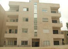 فرصة العمر شقة للبيع مساحة 125 متر طابق أول _ بلقرب من كلية حطين _ منطقة مخدومة