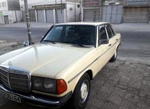 Used condition Mercedes Benz E 200 1982 with +200,000 km mileage