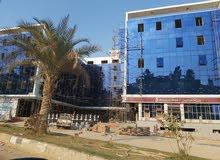 محل للبيع 90م مرخص تجاري كامل المرافق امام المصرف المتحد وبنك مصر مقطم