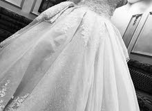 فستان عروس للإيجار مع كافه المستلزمات