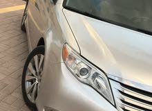 Toyota Avalon 2011 For sale - Silver color