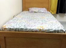 سريرين سنقل مع كرس أريكة (صوفا) لشخصين High quality single beds and 2-seater Sofa