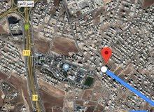 للبيع ارض 966 م في البنيات طريق المطار