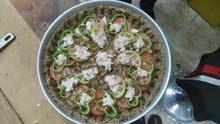 اكلات عربية ((منسف باللحم البلدي ) (اوزي دجاج ) (مقلوبة دجاج أو باللحم) (كبسة دج