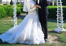 فستان زفاف تحفة للايجار او البيع