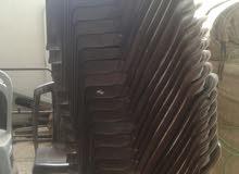 30 كرسي لون بني مستعمل نظيف الكرسي ب دينارين0796707367