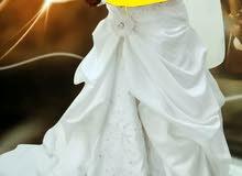 للبيع فستان زفاف بسعر مغري