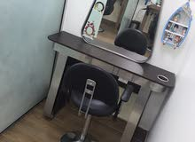 kids barber's table. new. only 2 month. please send whatsapp