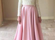 فستان جميل سواريه. قطعتين.