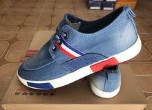 أحذية شبابية