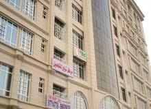 شقة للبيع سوق الخوض/جنب جامع سلطان قابوس ومكتب بريد الخوض ومقابل مركز رعاية طفل