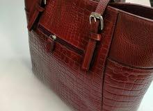 حقائب حريمي جلد طبيعي 100%