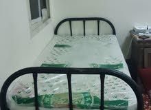 سرير فردي بمرتبة متواجد بالثقبة شارع 12 للتواصل واتس 0547122639
