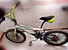 دراجة هوائية للبيع (vèlo BMW 20)