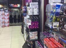 معرض اجهزة كهربائية وستلايت   في منطقة البيادر للبيع مع مستودعات