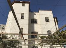 فيلا لبيع ثلث طوابق منفصله تصلح للسكن + للتأجير