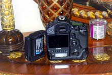 Camera available with high-end specs for sale directly from the owner in Abu Dhabi