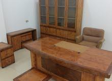 مكتب 6 قطع حجم كبير مع كرسي  شبه جديد