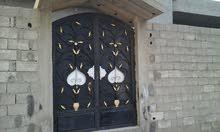 منزل الفعاكات شارع السترحات القطعة 500متر المسقوف 280متر القطعة على شارعين