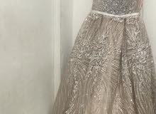 فستان عروس او حتى سهره فخم للأيجار