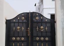 بسعر مغري منزل مستقل مكون من 3 شقق بمدينة الزرقاء جميع الخدمات اطلالة