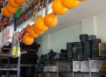محل مواد بناء للبيع في سحاب