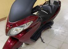 للبيع دراجة سوزوكي بورجمان 400 سي سي نظيف جدا