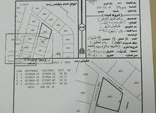 ارض سكنية زاوية للبيع مساحتها كبيرة و سعر مناسب ( البريمي - الغريفةA)