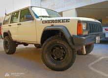 جيب شيروكي XJ للبيع بسعر مغري 1996