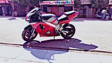 ريس سوزوكي موتوسيكل ياباني 600 cc