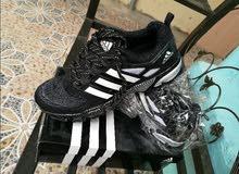حذاء رياضي اديداس قياس 44 جديد