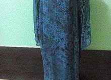 ملابس نسائية مختلفه بمقاسات مختلفة