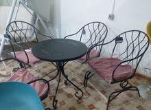 طاولة رباعية