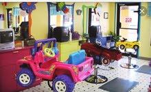 محل حلاقة اطفال للبيع مع العامل ب3500 قابل للتفاوض