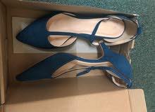 حذاء البيع مقاس 37