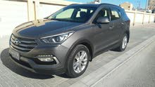 For sale Excellent condition Hyundai Santa Fe 2017 (Bahraini Car)