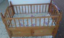 سرير اطفال نضيف