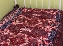 سرير حديد ابيض