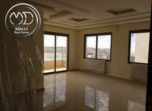 شقة جديدة للبيع تلاع العلي قرب القاعده الجويه 180م تشطيبات فاخره واطلاله جميله .