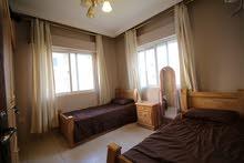 شقة  للايجار في ابو نصير قرب الخدمات و المواصلات والاسواق مفروشة بفرش راقي قريبة من الخدمات