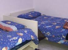 للبيع سرير اطفال - طاوله - مكتب