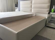 للبيع سرير مع المترس شبه جديد