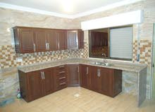 شقة للأيجار - تشطيب ديلوكس ، بناء حديث، منطقة النصر – حي عدن - بالقرب من دوار الجبالي و حديقة عدن