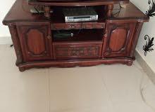 طاولة تلفيزيون للبيع