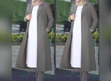 بدلة جديدة خديتها من النت وجتني كبيرة للبيع مقاس 42 اللون اخضر زيتوني السعر 280