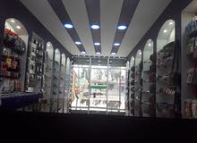 محل مدوكر كامل جبص بورد ورفوف زجاج وباب زجاج وانار مش نافصو شي يصلح لعدة مشاريع