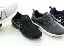 أحذية رياضية فيتنامي