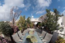 شقة طابقيه للإيجار مساحة 398 متر مربع مفروشة بالكامل في اجمل مواقع مدينة الفحيث