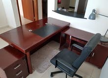 للبيع مكتب خشبي جديد استخدام شخصي بسيط جدا